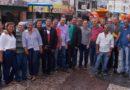 Tom e Elmar comemoram chegada da chuva e entregam tratores a associações de Conceição do Coité
