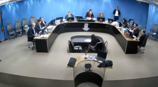 Por unanimidade o TRE rejeita embargos e pede o afastamento do prefeito e da vice de Coité