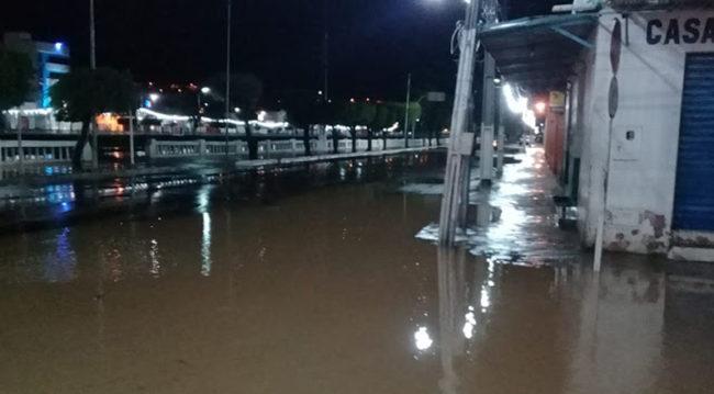Rio Itapicuru-Mirin Transborda com as chuvas e invade casas em Jacobina