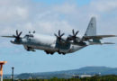 Aviões de guerra dos Estados Unidos colidem e caem no mar no Japão