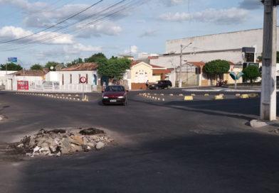 Prefeitura de Coité realiza obras, mas deixa locais sujos por semanas