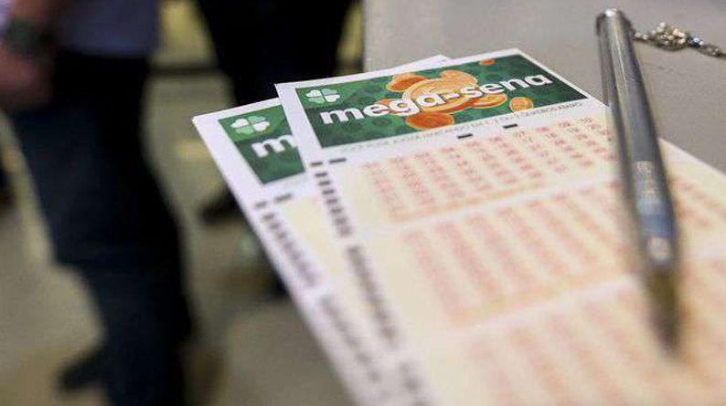 Loterias da Caixa Econômica Federal estão sob suspeitas de roubos. Só ganha um apostador.