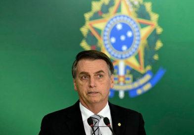 Bolsonaro defende decreto das armas como 'respeito à vontade popular'