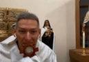 """Fui salvo. """"Foi um milagre divino"""", diz padre Marcelo Rossi após ser empurrado."""