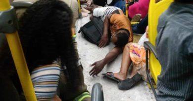 Cinco pessoas são baleadas e uma morre em assalto a ônibus em Salvador
